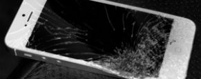 Cracked Screen on Your iPad or iPhone – What Can You Do?