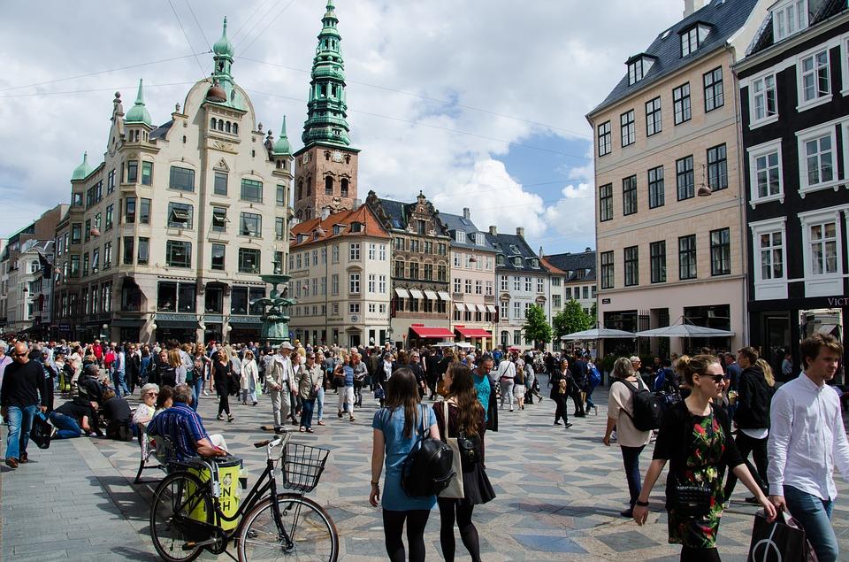 Denmark Square shopping for phone